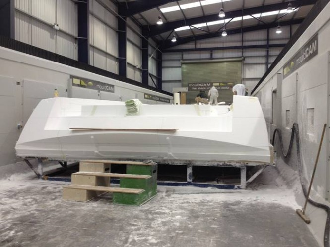 Works on motor yacht VanDutch 70