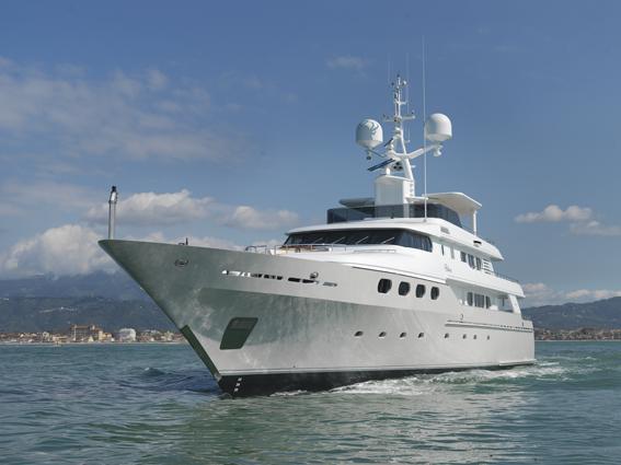 Fm architettura di interni yacht charter superyacht news for Interni architettura