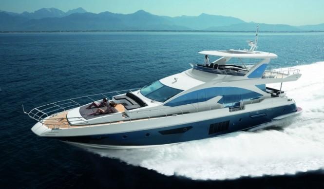 Azimut 80 superyacht at full speed