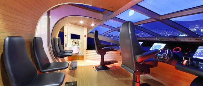 Superyacht AeroCruiser 38 II FLY - Wheelhouse