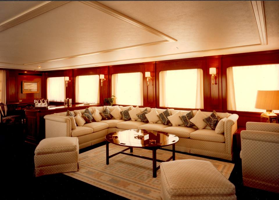 Tranquility Yacht - Saloon