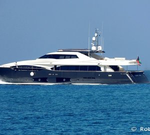 Photos of motor Yacht LADY DIA leaving the Livorno Port in Italy