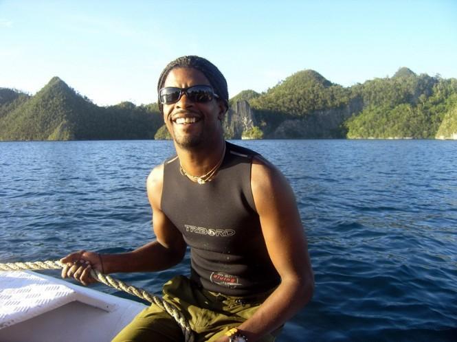'Top Gun' Guides Didier Romero