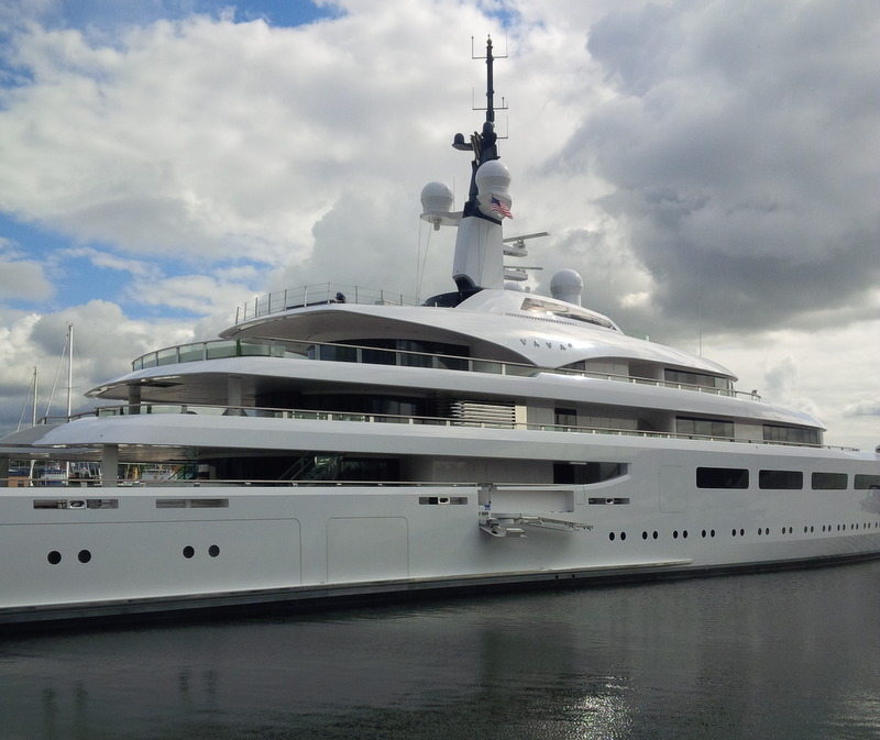 96m super yacht VAVA II in Settle, USA - PHOTO COURTESY IAN GRACEY GLASSHAPE YACHT GLASS