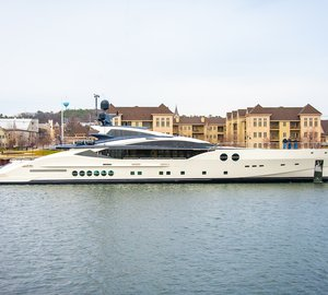 PJ170 motor yacht BLISS fitted with four Seakeeper 26 units