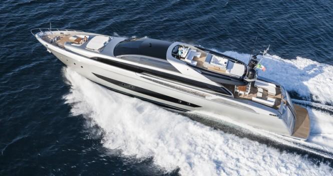 Luxury motor yacht Mythos - Photo by Alberto Cocchi