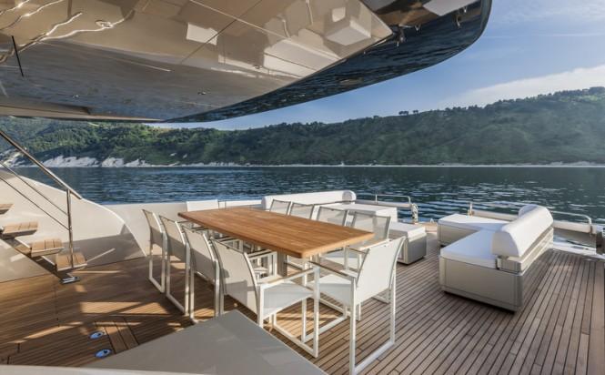 Motor yacht Mythos - Exterior