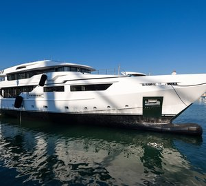 Launch of Admiral Maxima 47 motor yacht ENTOURAGE announced by The Italian Sea Group