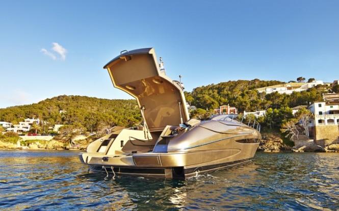 Luxury yacht SAKURA - Riva Rivale 52 - Image credit to easyboats.com