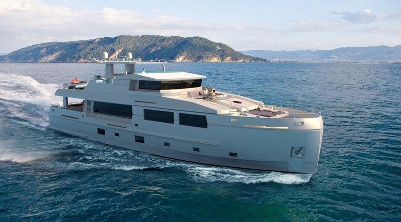 Mengi Yay super yacht Serenity