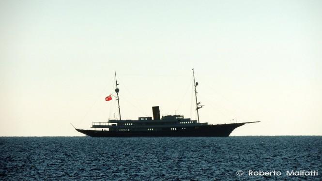 Luxury mega yacht NERO - Photo by Roberto Malfatti