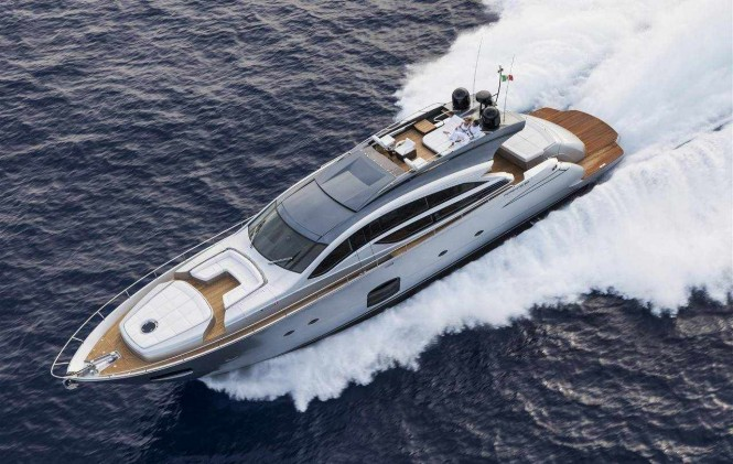 Superyacht Pershing 82