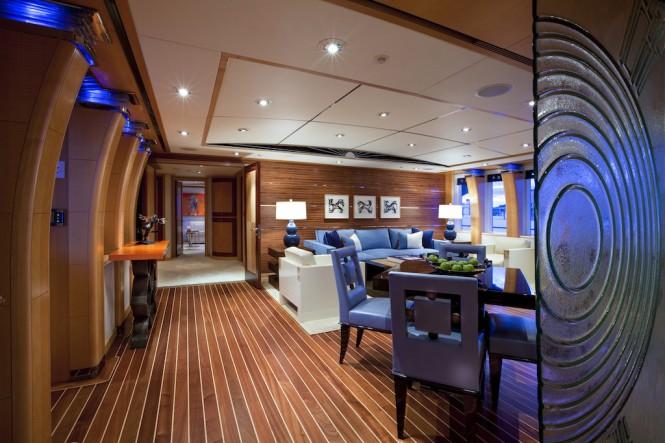 Charter yacht VICTORIA DEL MAR - Skylounge - Photo Jim Raycroft