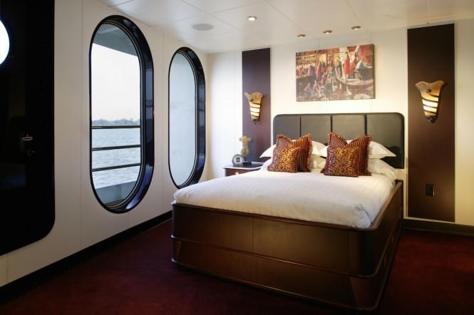 Super yacht suport vessel GLOBAL - forward stateroom