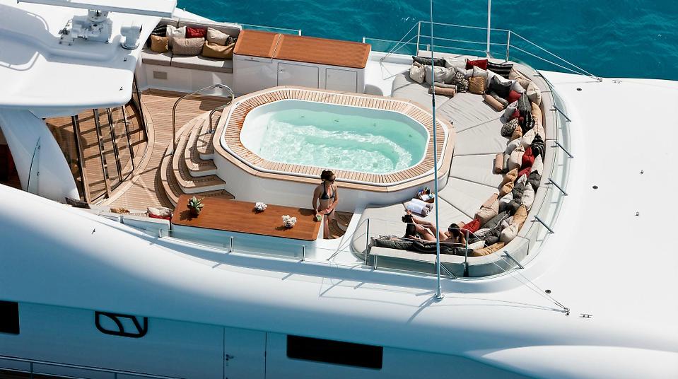 BELLE AIMEE yacht spa pool