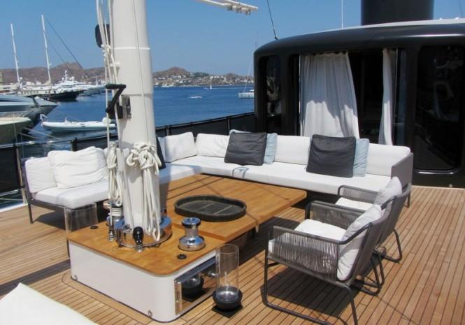 Luxury yacht Le Lutteur - Sundeck