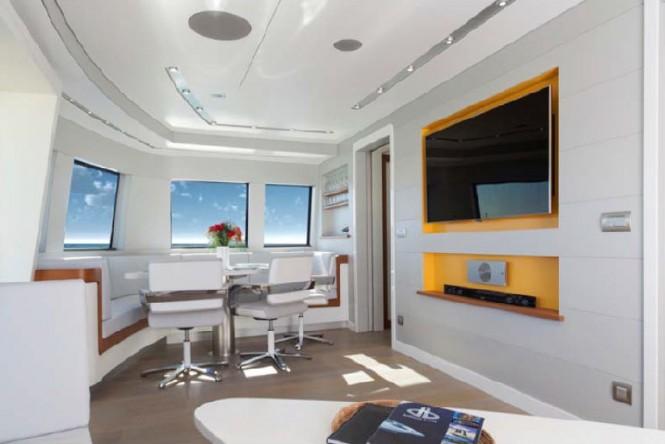 Thunderbird 2 Yacht - Interior