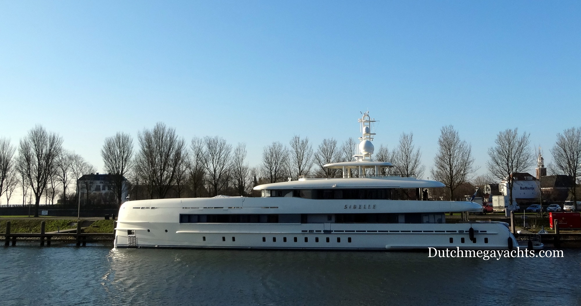 Luxury motor yacht SIBELLE