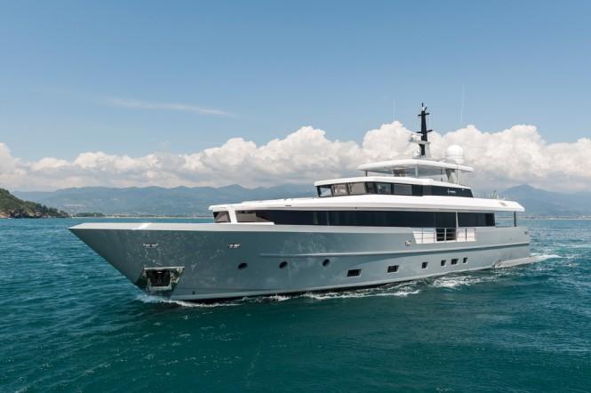 Motor Yacht FOAM