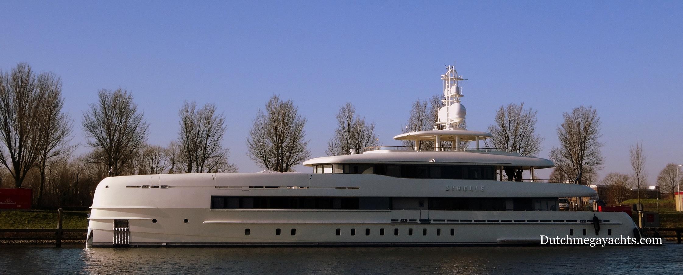 Super yacht SIBELLE