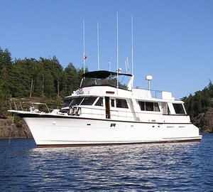 Alaska yacht charter aboard 72' Hatteras motor yacht VIAGGIO