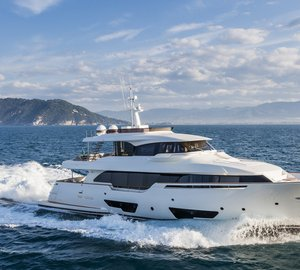 Adriatic Boat of the Year 2015 Award for Highly Innovative Custom Line Navetta 28 Yacht