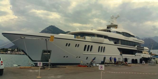 Luxury mega yacht IRIMARI