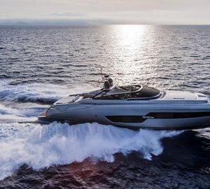New RIVA 88' FLORIDA Superyacht – First Convertible Hardtop Yacht