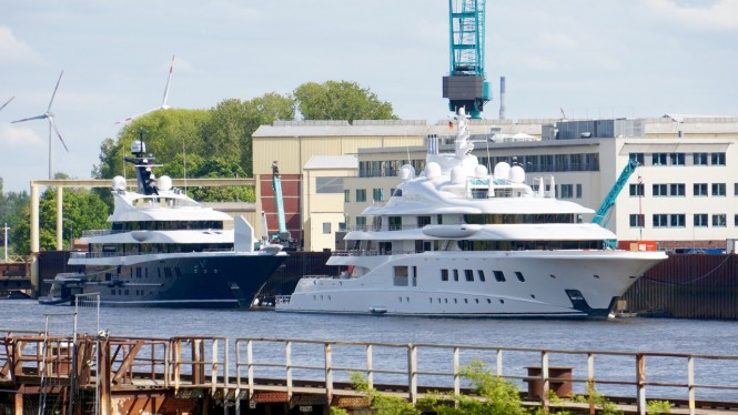 Luxury motor yachts Phoenix 2 and Quantum Blue - Photo by DrDuu