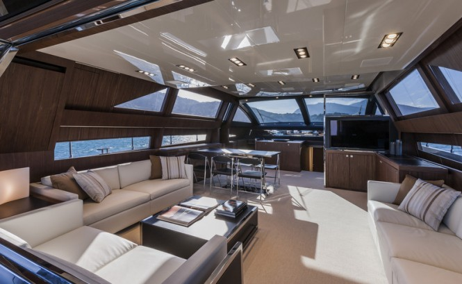 Motor yacht Domino Super - Main deck salon