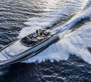 Ferretti Group's New Luxury Yacht Models to be displayed at the 2015 Autumn Boat Shows