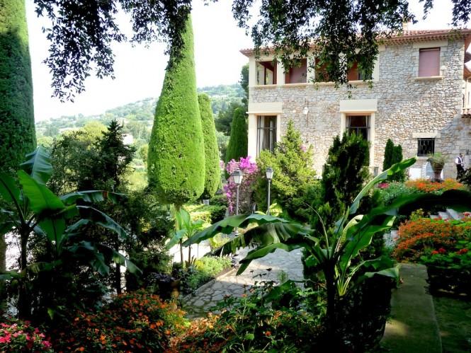 Jardin de la Villa Domergue - Cannes - Credit CRT Riviera Cote dAzure