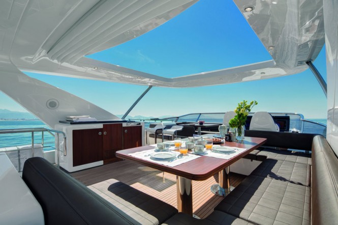 Azimut 83 superyacht 42 m² of flybridge in addition to innovative furniture and design solutions. Photo by Azimut Yachts