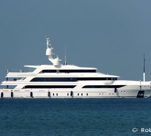 Awe-inspiring BENETTI Mega Yacht CHOCOLAT (FB264) underway in Italy