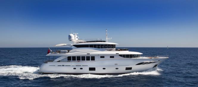 Filippetti N30 motor yacht GATSBY underway