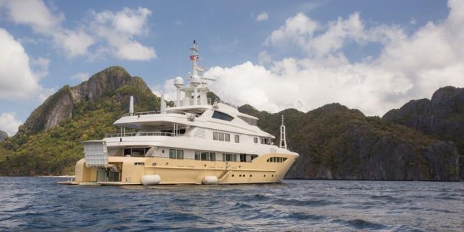Luxury Yacht JADE 959