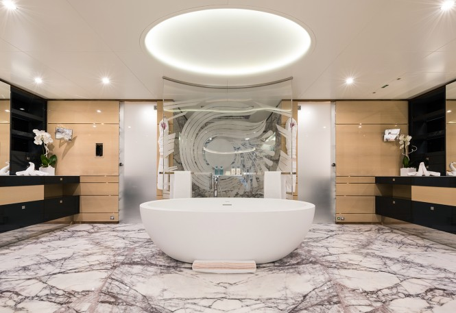 Mega yacht IRIMARI - Bathroom