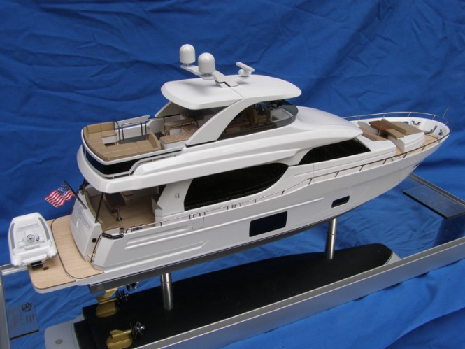 OA 70E Yacht Scale Model - aft view