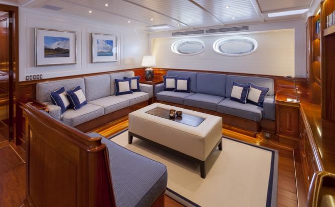 Superyacht ATALANTE - Saloon - Photo by Silken