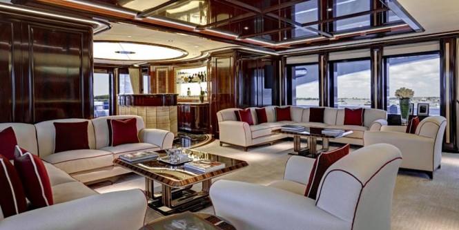 Superyacht ROCK.IT - Main Deck Bar & Lounge - Photo by Feadship Fanclub