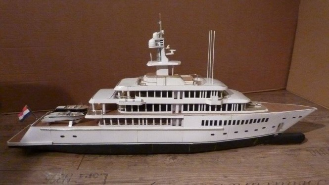 Model of MUSASHI by Feadship - Image credit to Cardboardyachts