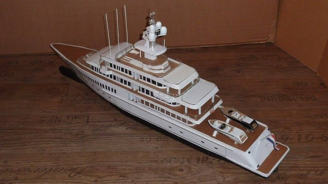 Model of MUSASHI from above - aft view - Photo by Cardboardyachts