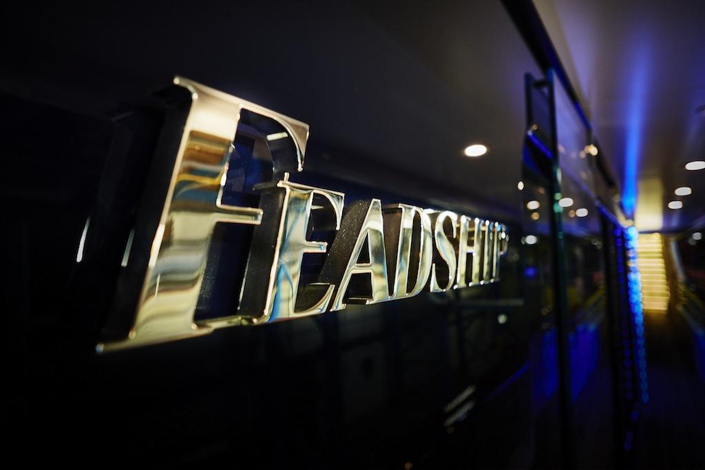 Feadship logo on Vanish