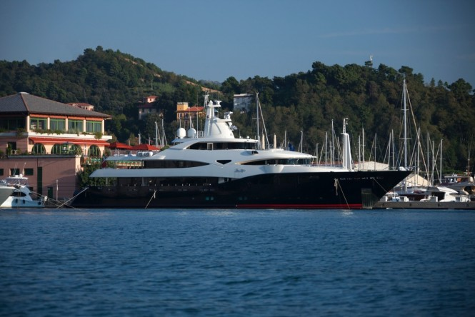 Blue Eyes Superyacht in Porto Lotti