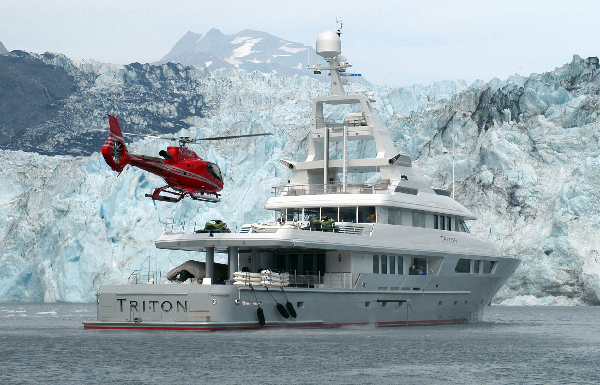 the hottest helicopter decks on private yachts  u2014 yacht