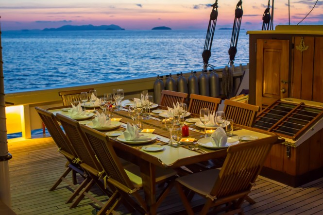 Al fresco dining with Raja Laut in South East Asia