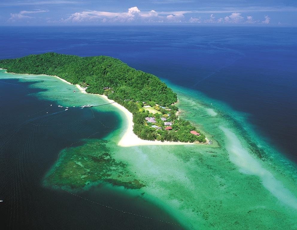 BORNEO Aerial shot of Manukan Island, Tunku Abdul Rahman Marine Park