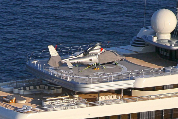 helicopter landing pad with Hot Helicopter Decks Luxury Super Yachts on Alfa Nero furthermore Elevated And Rooftop Helipads And Heliports also Hot Helicopter Decks Luxury Super Yachts as well GC5D7DX naval Station Treasure Island besides Dilbar.