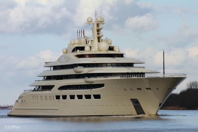 Mega yacht DILBAR - Photo by DiFooll