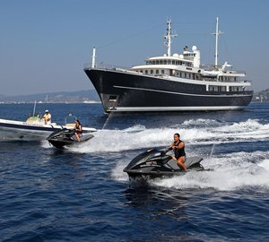 Large group charters to Costa Rica and Panama aboard yacht Sherakhan